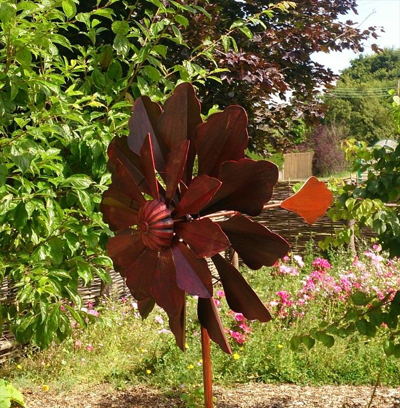 Versailles Large Garden Wind Sculpture Spinner   Jonart Desin