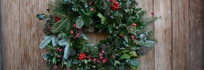 Wreaths, Garlands & Swags