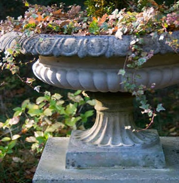 George IV Tazza - Stone Planter