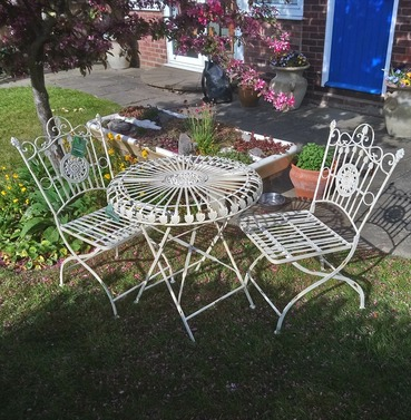 Louis 2 Seater Folding Bistro Set - Distressed White
