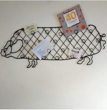 Pig Card / Note Holder - Kitchen Wall Art
