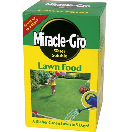 Lawn Food - Miracle Gro Water Soluable