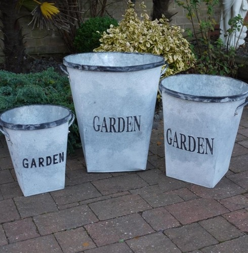 Metal GARDEN Planter - Set of 3
