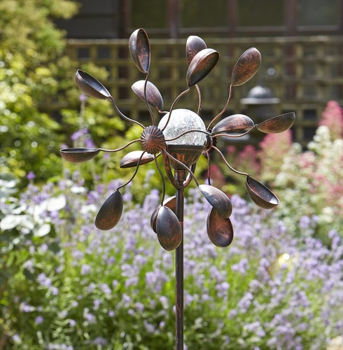 Garden Art - Solar Wind Spinner Gemini Illuminated Crackled Globe