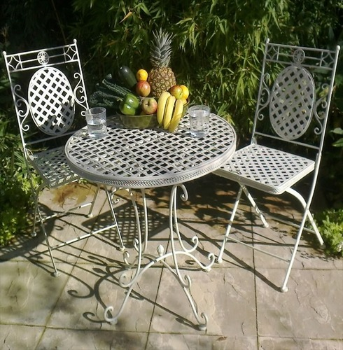 Cafe Bistro Set - Distressed Shabby Chic Cream - French Lattice Design