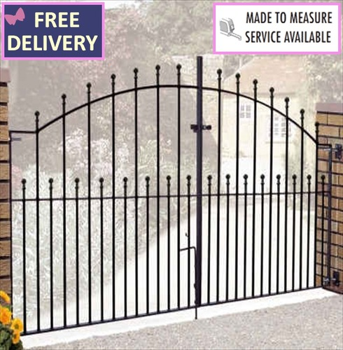 Manor Arched Double Metal Driveway Gate