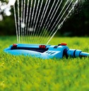 Flopro Monsoon Oscillating Sprinkler - 20 Nozzles - 13.5m by 14.5m Coverage